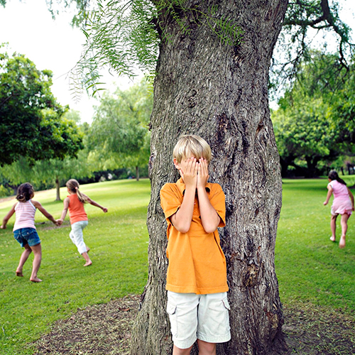 Brincadeiras das antigas: como entreter as crianças sem o celular