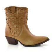 Imagem - Ankle Boots De Couro E Salto Baixo Suzzara cód: 0000059919032