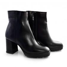 Imagem - Ankle Boots De Couro E Salto Alto Suzzara cód: 0000142020034
