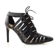 Sapato De Bico Fino E Salto Alto Tanara