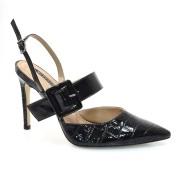 Sapato Chanel De Couro E Salto Alto Suzzara