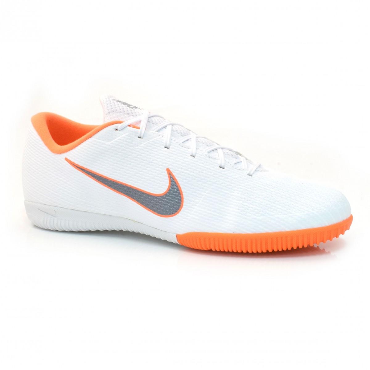 Tênis Indoor Nike Mercurial BRANCO LARANJA Com o Melhor Preço na Vizzent 8ac2d58db5286