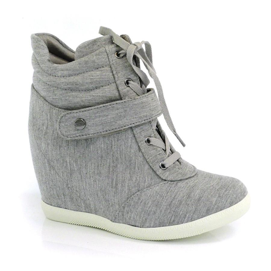 b5f302a640 Sneaker com Salto Interno Quiz