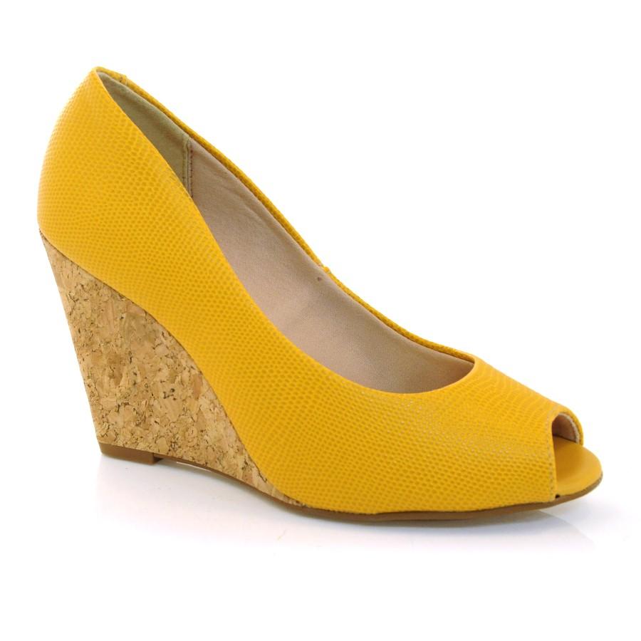 f1558e8ee5 Sapato Anabela Feminino Beira Rio MOSTARDA 7863 Com o Melhor Preço ...